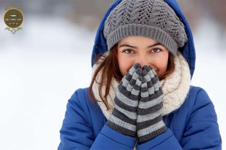 Giữ ấm cơ thể khi trời lạnh cần tránh những sai lầm sau